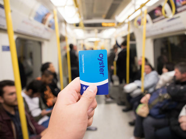 how do oyster cards work