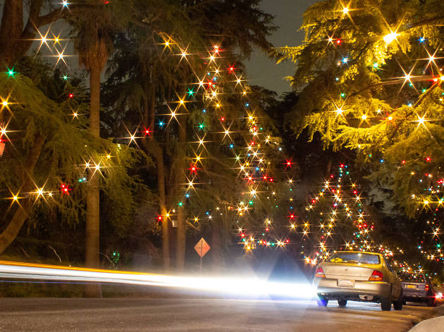 York Christmas Lights 2020 Drive Park 15 Best Places to See Christmas Lights in Los Angeles