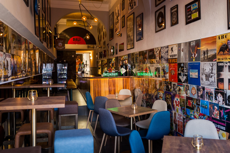 Dalí: este bar é o melting pot de Campo de Ourique