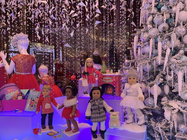 Holiday windows in NYC are back! Check out the American Girl Store's display