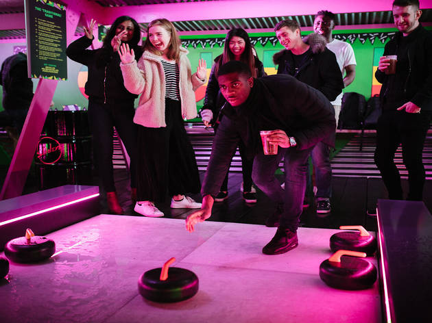 36% off Christmas curling at SFG Club plus a free cocktail