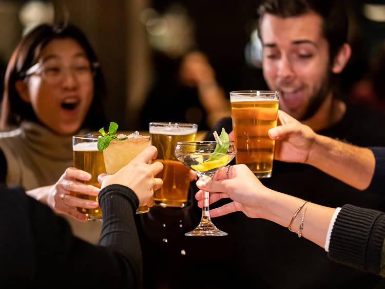 7 bars à Montréal où tu as le plus de chances de repartir avec quelqu'un - Narcity
