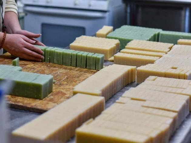 Fazer sabonetes naturais