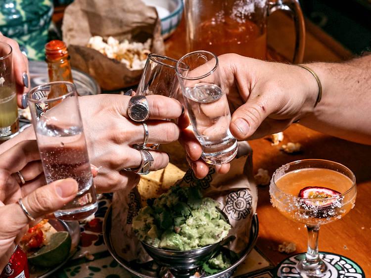 Descubre el destilado mexicano sotol, ¡entregan a domicilio!