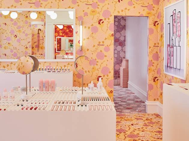 Glossier is popping up in Covent Garden just in time for Christmas party season