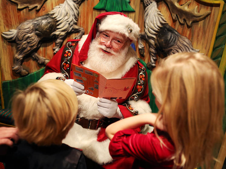 NYC's best places for pictures with Santa