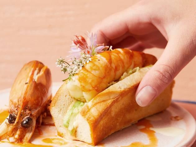 Pinchy's prawn roll