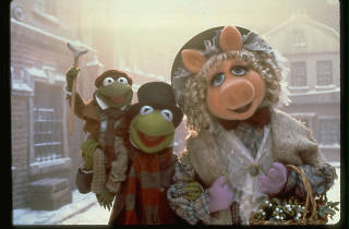 Kermit and Miss Piggy in the Muppet Christmas Carol