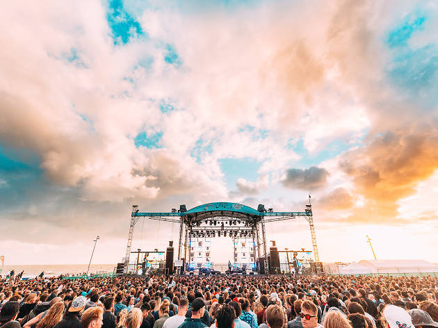 St Kilda Festival 2017 stage and crowd
