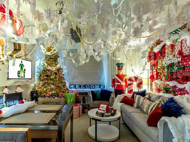 This Buddy the Elf-themed hotel room is the perfect NYC holiday staycation