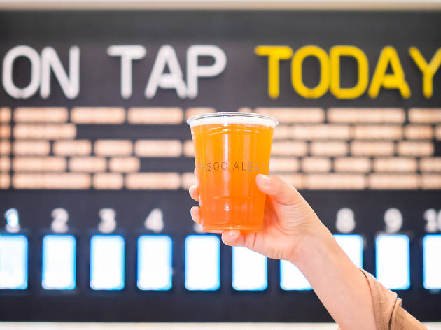 Find $3 beers and other scores with Black Friday food specials around town
