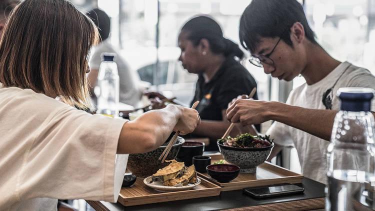 Diners eating at Kurumac