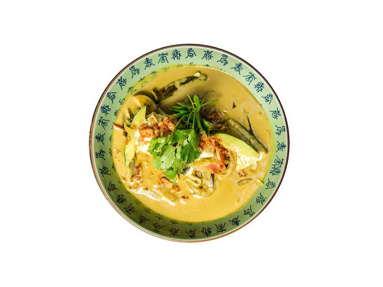 Boa Bao – Caril Indonésio de Peixe, Quiabo e Beringela