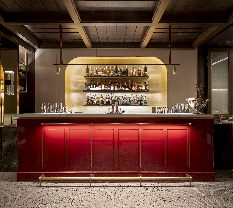 Saddle (lobby bar)