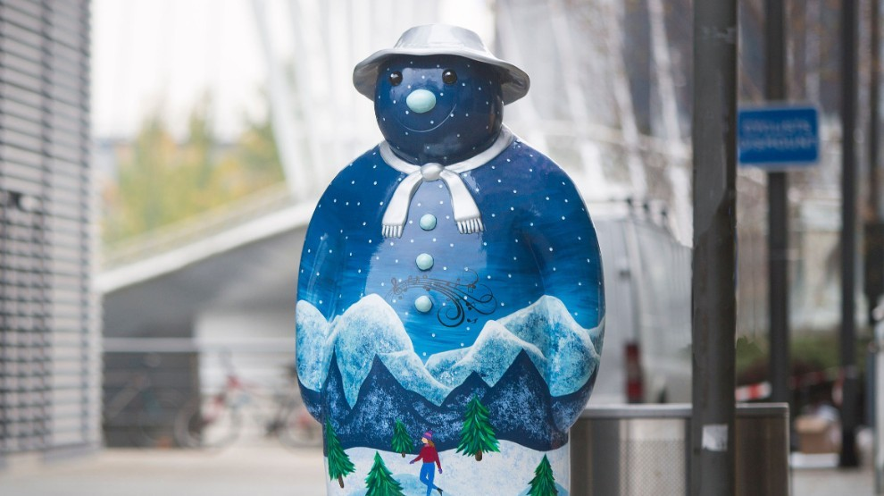 A 'Snowman' sculpture trail has popped up in London