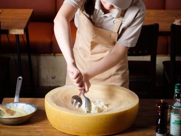 チーズチーズカフェ新橋
