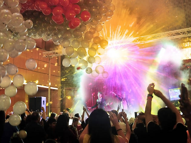 Singapore Marriott Tang Plaza Hotel, New Year's Eve Buffet and 80's & 90's Throwback Countdown Party