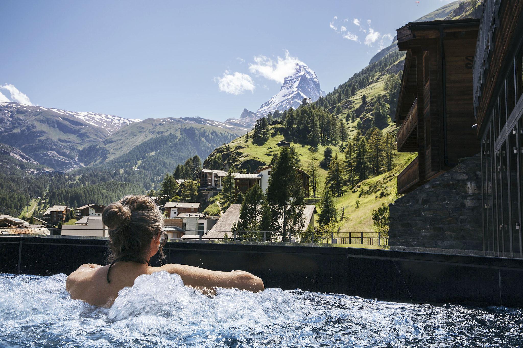 The Omnia outdoor whirlpool bath
