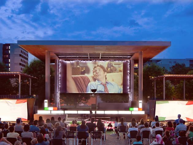 Pop up outdoor cinema in Carlton