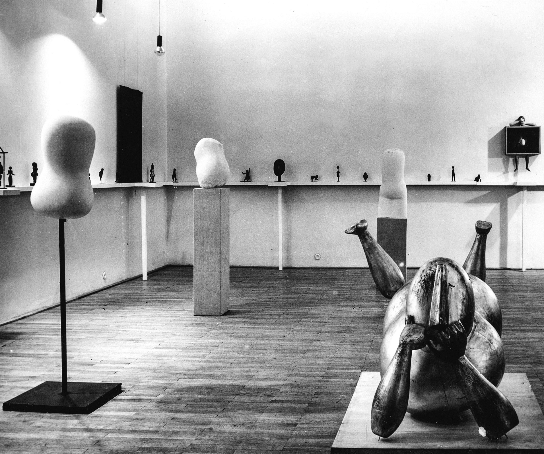 Exhibition Lončarić-Jakić Museum of Arts and crafts 1964