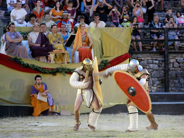 See how Romans fought, dressed and groomed