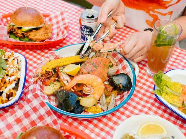 Uncle Iggy's Crab Shack at the Boatbuilders Yard