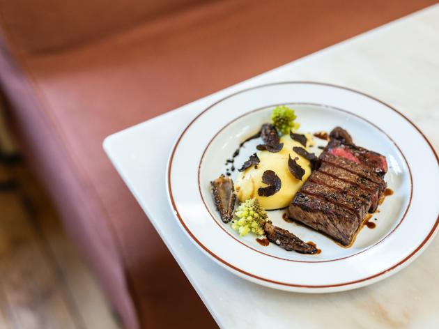 Restaurantes, Reitoria, Steakhouse, wagyu com puré de batata trufado, romanesco e cogumelos selvagens