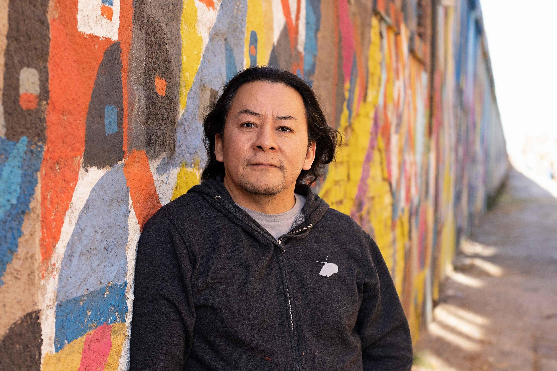 Nestor Gomez puts immigrant stories in the spotlight
