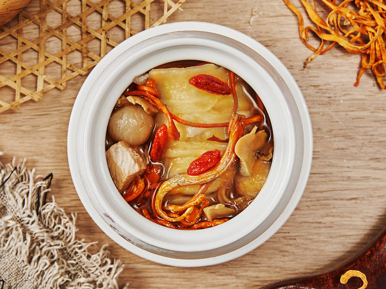 Cordyceps flowers and fish maw soup (Soup Day)