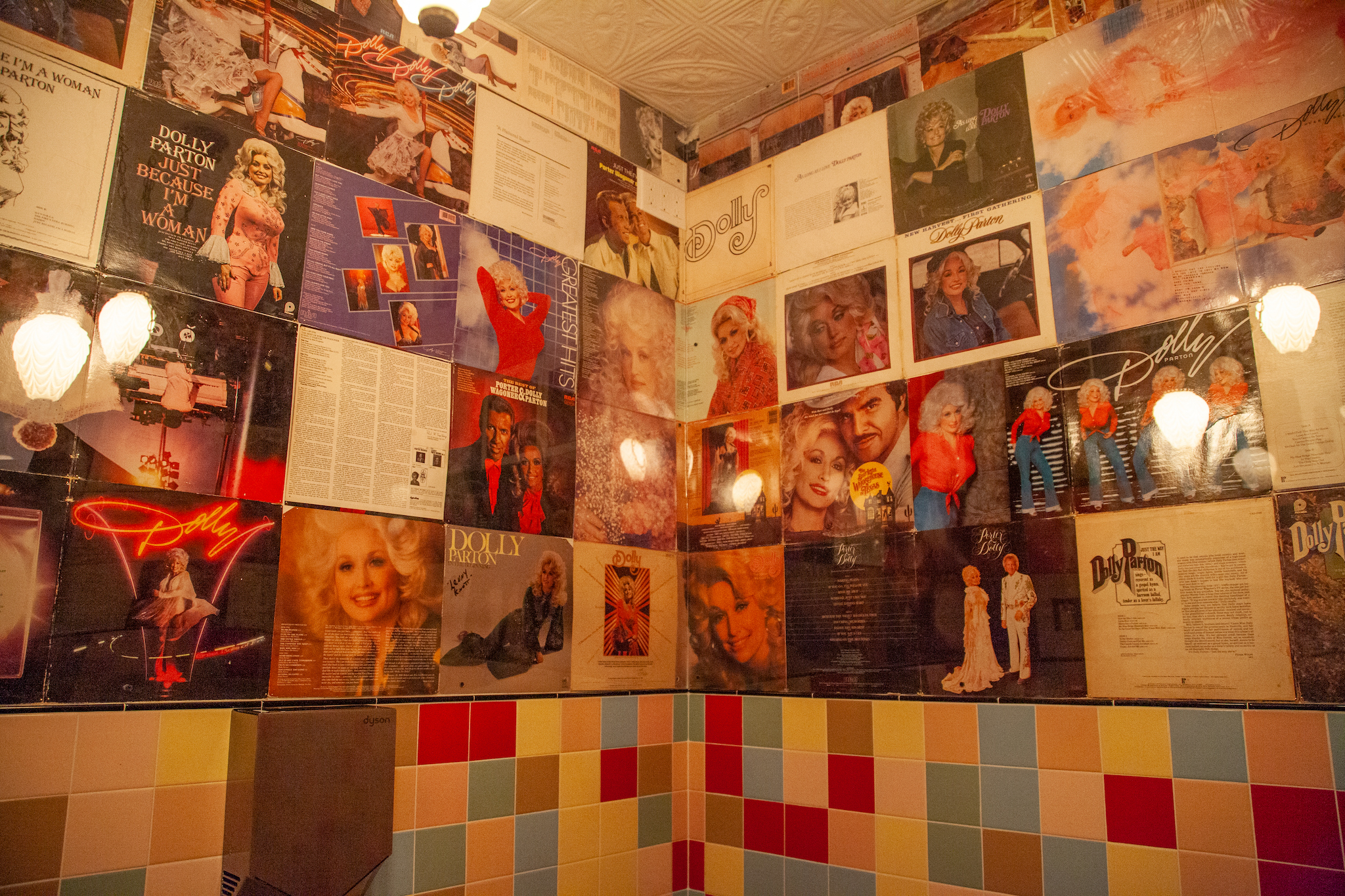 New Brooklyn dive bar Dolly's opens with a touch of Dolly Parton