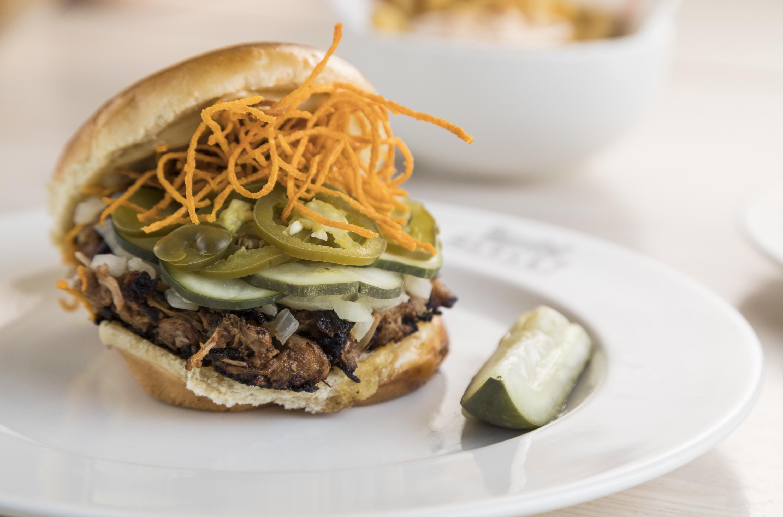 mini mott, time out market chicago, time out market, burger