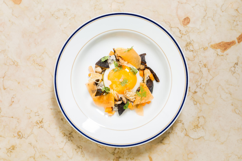 Ovos com cogumelos e abóbora