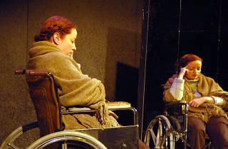 Alyssa Simon in Doctors Jane and Alexander