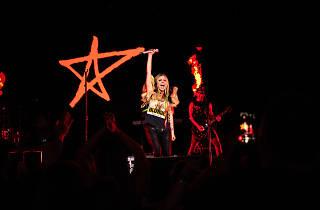 Avril Lavigne hk 2020