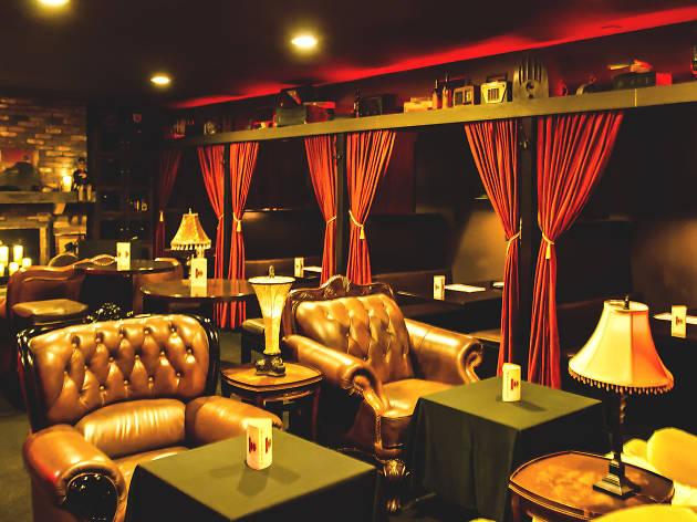 Rendition Room Studio City Vitello's secret bar speakeasy