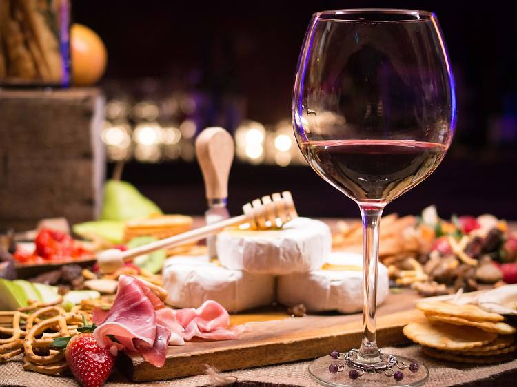 Enolo Wine Bar