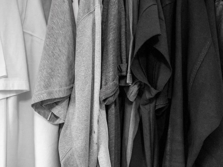 Avoid black and white clothing