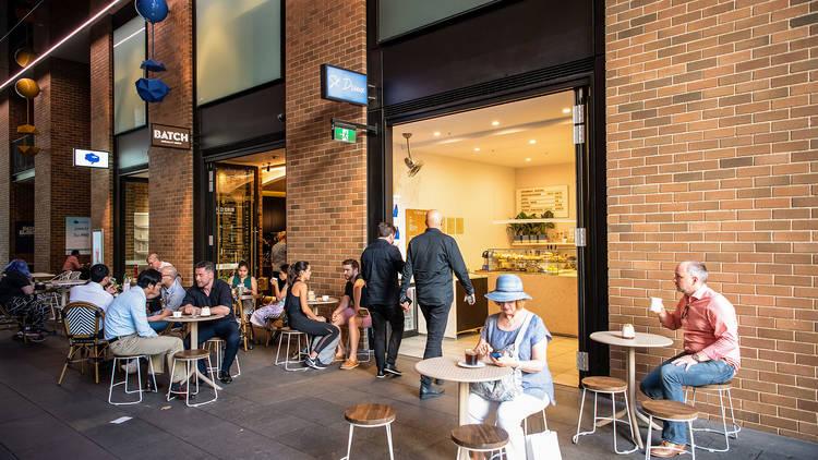 Exterior seating at St Dreux Cafe