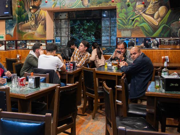 Cantina la Luna: una cantina en Azcapotzalco con botanas gratis y rocola