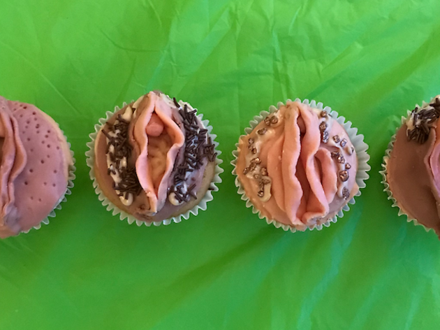 Vagina Cupcake Decorating