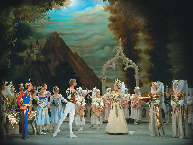 St. Petersburg Ballet Theatre: Swan Lake