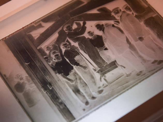 Negatius de vidre. Una col·lecció singular de l'arxiu fotogràfic de TMB