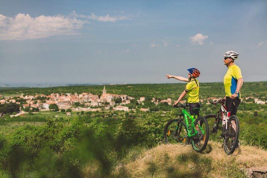 Weekend Bike & Gourmet Tour