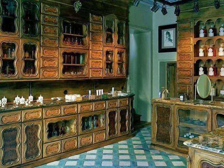 Sentir l'odeur de la France à la parfumerie Officine Buly