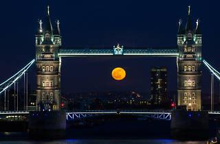 Super moon over tower bridge