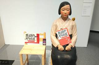 「表現の不自由展・その後」の展示作品「平和の少女像」撮影:太下義之