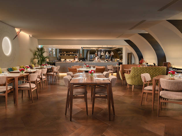 Quatro dias para comer lampreia no restaurante do Bairro Alto Hotel