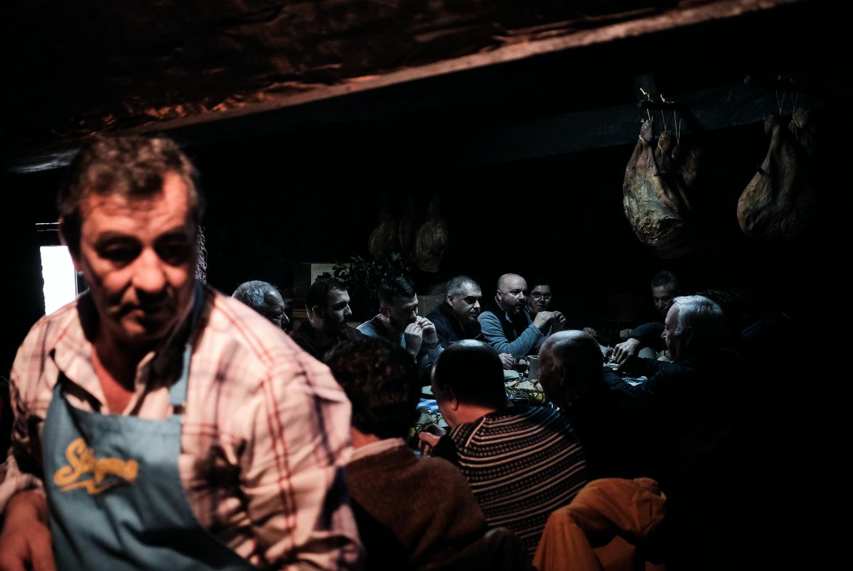 A Casa de Padornelos em dia de azáfama motivada pelo cozido