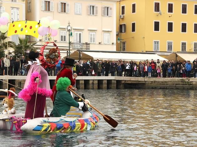 MareMonada: Carnival Boat Race