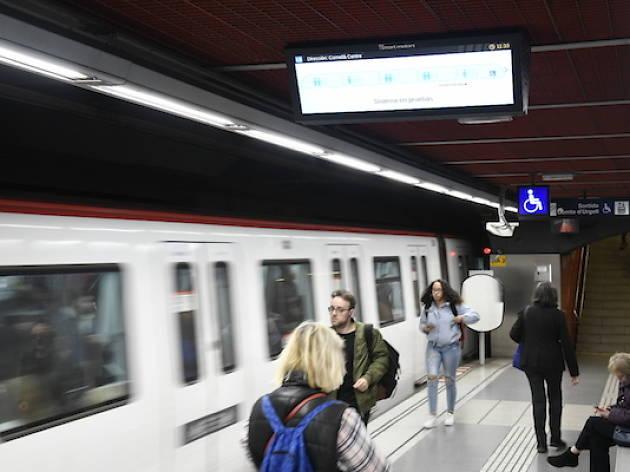 Pantalla de prova a estació de metro